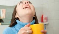 Полоскание горла при фарингите — целебная сила