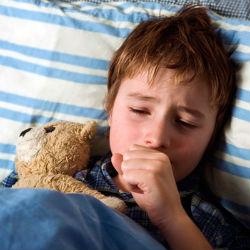 Сильный кашель - явный признак коклюша