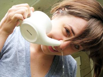 Промывание носа - лечение гайморита в домашних условиях